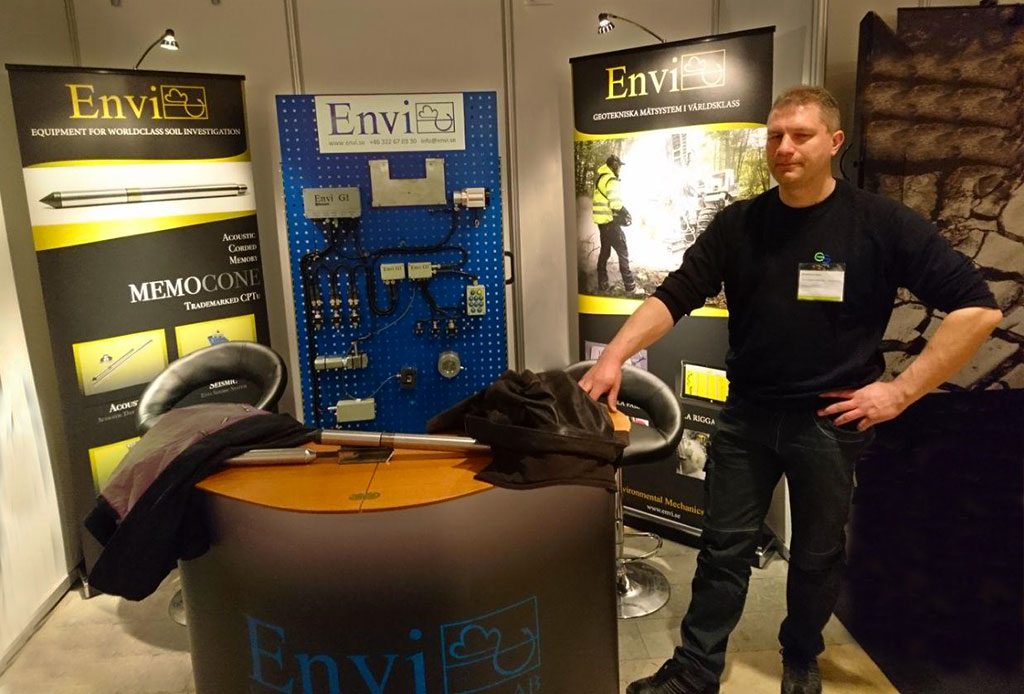 Christian at Envi and Geoscand desk during the Grundläggningsdagen fair 2018